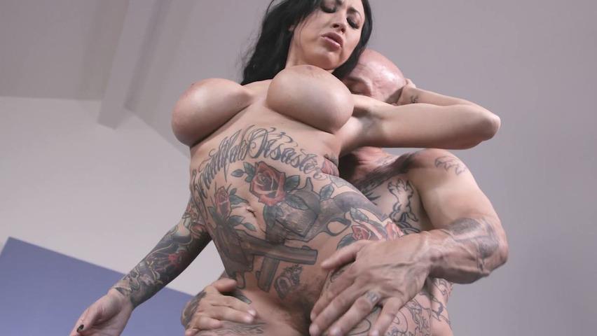 xxx filmy z tatuażami najlepszy lesbijski seks analny