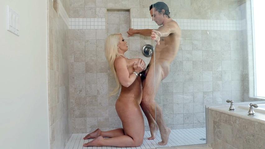Seks w porno pod prysznicem